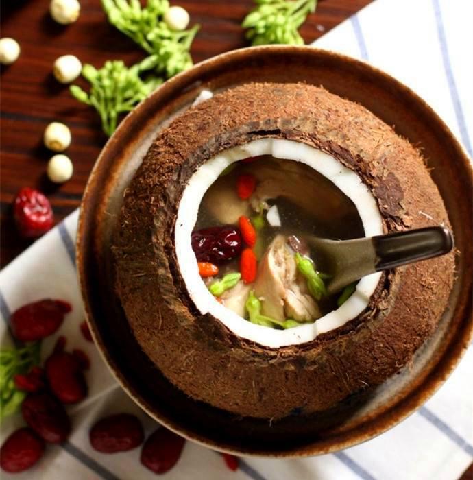 椰子炖鸡汤